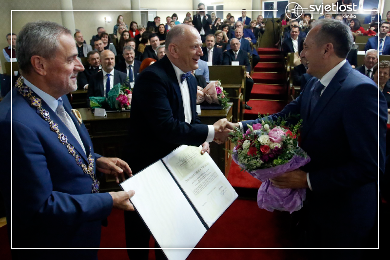 Professor Gabrić presented with the City of Zagreb Award