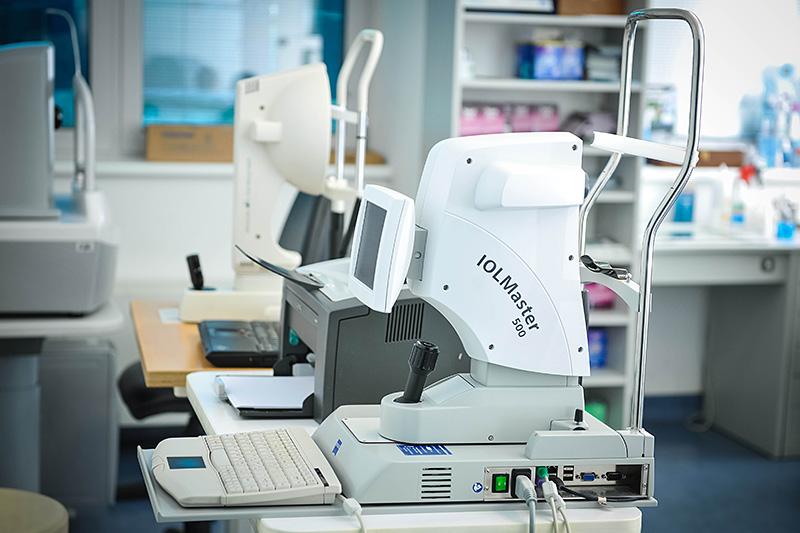 IOL master – lo strumento che calcola la potenza della lente da impiantare.