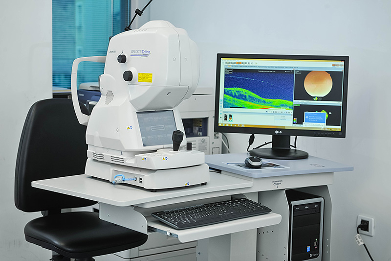Topcon Triton DRI swept source OCT - Optische Kohärenztomographie der Retina